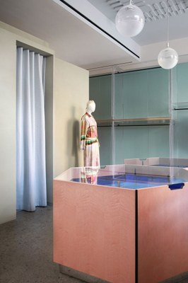 imarika-milan-marcante-testa-interiors-retail-shops-italy_dezeen_2364_col_9.jpg