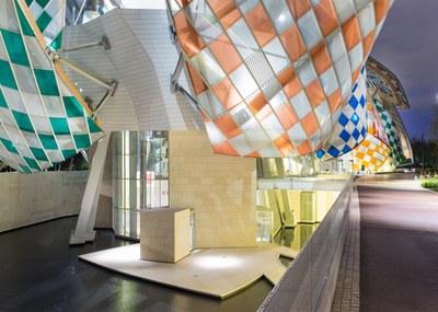 observatory-of-light-fondation-louis-vuitton-multicoloured-installation-daniel-buren-frank-gehry-paris-france-glass_dezeen_1568_4.jpg