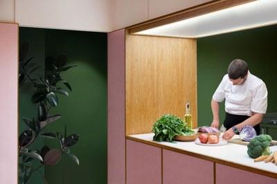 humble-pizza-child-studio-pink-interiors-restaurants-london_dezeen_2364_col_14.jpg