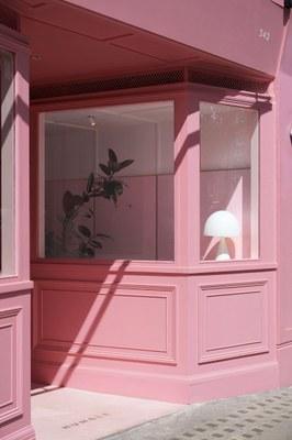 humble-pizza-child-studio-pink-interiors-restaurants-london_dezeen_2364_col_12.jpg