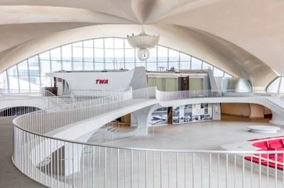 twa-hotel-eero-saarinen-interiors-jfk-airport-new-york-city-usa-max-touhey_dezeen_2364_col_4.jpg