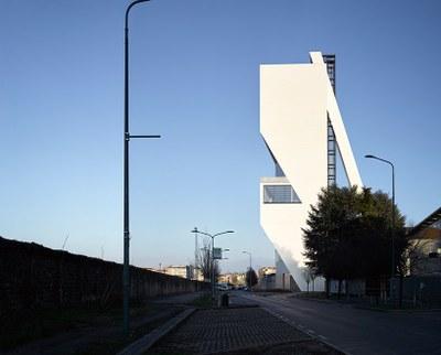 fondazione-prada-torre-opens-milan-OMA-designboom-R7.jpg