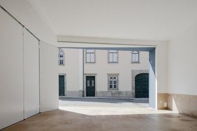nelson-resende-house-renovation-ovar-designboom-4.jpg