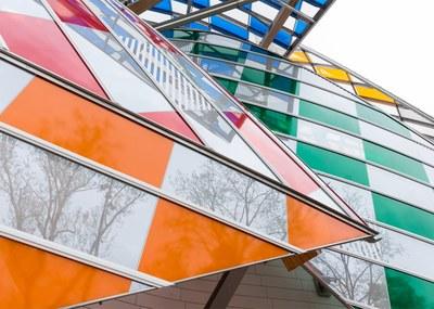 observatory-of-light-fondation-louis-vuitton-multicoloured-installation-daniel-buren-frank-gehry-paris-france-glass_dezeen_1568_0.jpg
