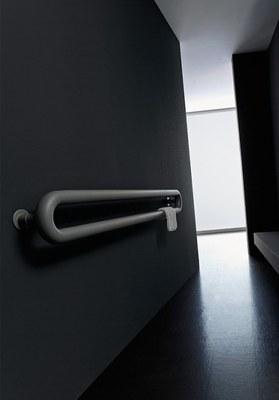 termosifone-tubolare-portasalviette-Antrax-IT.jpg
