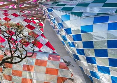 observatory-of-light-fondation-louis-vuitton-multicoloured-installation-daniel-buren-frank-gehry-paris-france-glass_dezeen_1568_13.jpg