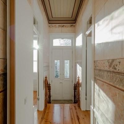 nelson-resende-house-renovation-ovar-designboom-12.jpg
