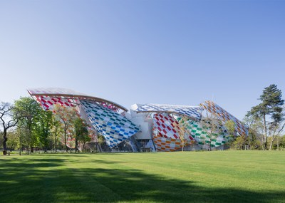 observatory-of-light-fondation-louis-vuitton-multicoloured-installation-daniel-buren-frank-gehry-paris-france-glass_dezeen_1568_12.jpg