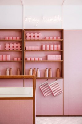 humble-pizza-child-studio-pink-interiors-restaurants-london_dezeen_2364_col_2.jpg