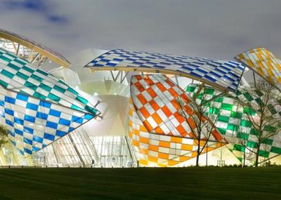 observatory-of-light-fondation-louis-vuitton-multicoloured-installation-daniel-buren-frank-gehry-paris-france-glass_dezeen_1568_6.jpg
