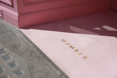 humble-pizza-child-studio-pink-interiors-restaurants-london_dezeen_2364_col_13.jpg
