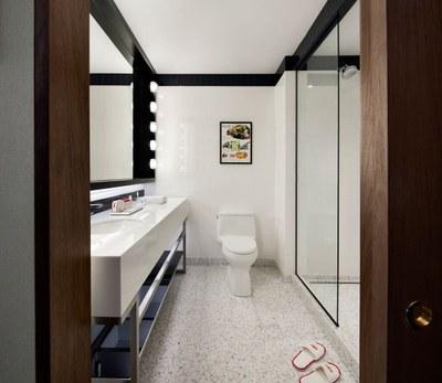 twa-hotel-eero-saarinen-interiors-jfk-airport-new-york-city-usa-david-mitchell_dezeen_2364_col_5.jpg