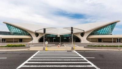 twa-hotel-eero-saarinen-interiors-jfk-airport-new-york-city-usa-max-touhey_dezeen_2364_col_10-1704x959.jpg